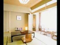 【南館和室】 明るく広いお部屋でゆっくりとお寛ぎくださいませ。