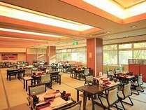 【レストラン 紅の花】ご夕食会場の一例