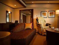 マッサージチェアが設置された高級感あるお部屋。記念日などの特別な日にぴったりです。