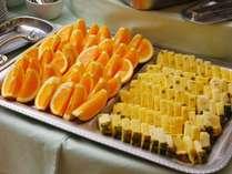 ■朝食バイキング/フルーツやデザートも充実  ※一例