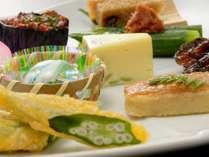 ■旬の食材をふんだんに使った見た目も美しい和食会席 ※一例