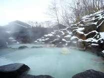 ■八右衛門の湯【露天風呂】冬イメージ。雪景色の露天風呂は最高ですね!