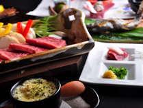 馬刺しに和王(国産牛)の陶板などなど豪華食材が並ぶ/一例