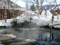 露天風呂 冬の様子です。18:00に男女を入れ替えします。