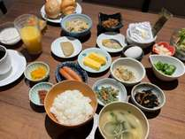 朝食(とりわけ)