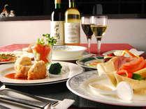 *富士山・山中湖の恵みを生かした絶品ディナーでお迎えいたします。山梨県産ワインも是非ご一緒に。(一例)