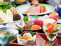 夕食の一例♪季節を感じるお料理を目と舌でお楽しみください^^