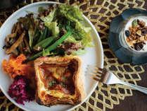 金沢の人気ブーランジェリービストロ「ひらみぱん」とコラボレーションしたeph KANAZAWAの朝食。
