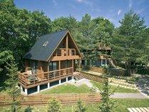 【ドッグヴィラログスイート】全棟プライベートドッグランと天然温泉を備えた最高品質のコテージです。