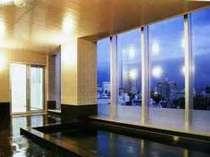 最上階の大浴場からは大阪の夜景も♪ラジウム人工温泉☆15:00~26:00、5:00~10:00までご利用可