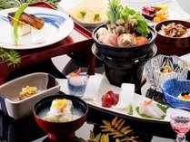 基本和会席。冬の一例。香り良い柚豆腐の前菜や豆乳味噌仕立ての豚の寄せ鍋。