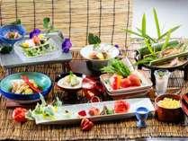 ≪基本料理≫7.8月 夏の一例_メインは選べる吟醸蒸し。県産牛か金目鯛をお選び頂けます。