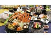 ズワイガニ鍋と長野県産牛ヒレステーキ(イメージ)