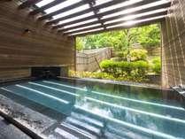 ■女性用大浴場露天風呂 グリーンシーズンの一例