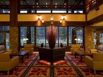 ■白馬の迎賓館と呼ぶにふさわしい落ち着いて格調高いロビー