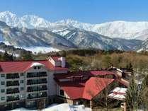 ■白馬三山を従える冬の白馬東急ホテル・外観