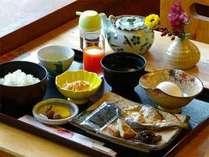 ≪朝食例≫出来たての和食をご用意致します。