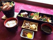 お食事はヘルシーなのに栄養満点!しし鍋(牡丹鍋)をご用意。温泉とお食事をのんびりとお楽しみください