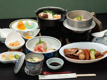 *【スタンダード9品】お刺身、煮物、釜飯等が付いたスタンダードお料理。