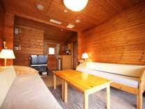 ◆ベットルーム2部屋に、広々としたリビングルーム。木のぬくもりが温かさを演出するゆとりの74平米!