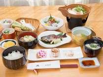 *【スタンダードお夕食一例】お惣菜やお鍋、新鮮なわさびなど豊かな信州の食材をお楽しみください。,長野県,公共の宿 ビレッジ安曇野
