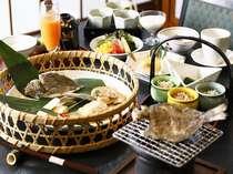 朝食は、焼津名物黒はんぺんやえぼ鯛を網焼きで。朝からパワフルな朝食をご用意 料理一例