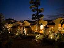 全8室客室露天風呂付きの温泉宿。塩化物泉の黒潮温泉と月替りの会席料理をお楽しみください。