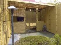 【風呂】「さくら館別館」1階の24時間利用できる貸切露天風呂「みやま湯」
