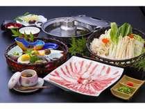 【黒豚しゃぶしゃぶ鍋】薩摩名物黒豚をポン酢とゴマダレでお召し上がり下さい