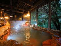 【大浴場】硫黄成分たっぷり!乳白色の泥湯温泉でスベスベ美肌に♪