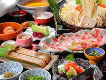 鹿児島の【黒豚×薩摩どり】を大盤振る舞い♪【芋焼酎】好きにたまらない焼酎バーもございます★