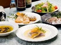 お魚は天然新素材で美味しさ舌鼓!