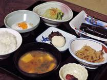 *朝食一例/朝市で仕入れた新鮮な旬の幸をご提供いたします。都会では味わえない美味しさです。