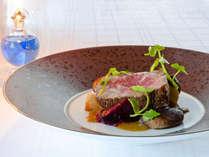季節を頬張る!美食家たちの休日プラン「アクアグリルダイニング」グレードアップディナーコース