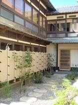 丹後町間人温泉郷 鴻の鶴温泉 宿居 三養荘