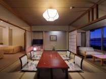 檜内風呂付き和洋室(10畳+TWベッド+広縁+内風呂)夜景の一例