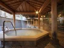 大浴場「白糸の美肌湯」の露天ジャグジー,昼景