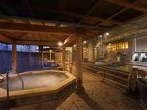 大浴場「白糸の美肌湯」の露天ジャグジー,夜景