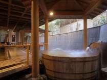 大浴場「白糸の美肌湯」の露天樽風呂