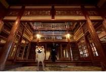 十和田ホテルは創業80周年、本館は登録有形文化財で、歴史を感じる重厚な建築です