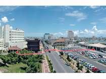 正面玄関から石垣港離島ターミナルへは徒歩1分!立地最高です!