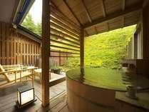 露天風呂付き客室檜風呂