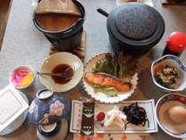 おはようございます和朝食をご用意出来ました(季節によりメニューが変わります