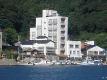 美保関港と大山を望む7階建ての宿