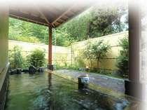 美しい星空、自然を満喫できる野趣に富む露天風呂