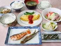 *【食事/朝食一例】新潟特産のお米を使用した、朝から身体が元気になる朝食をご用意します。