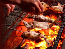 高級魚のどぐろを腕自慢の板場が焼き上げます。