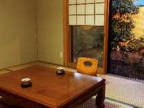 外には専用の露天付き。(各客室で露天の作り・趣は異なります)写真は一例
