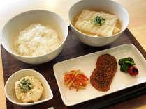 日替わり朝食(例):和食※和食・洋食の日替わりになります。