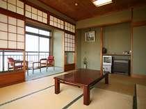 大阪湾を眺める客室